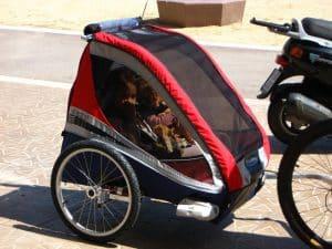 Remorque à vélo pour enfants rouge