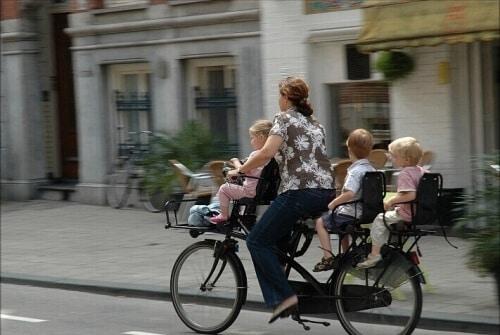 Comment peut-on transporter ses enfants à vélo-