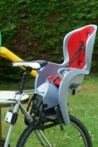 Siège vélo Kiss de Hamax : Le porte-bébé-